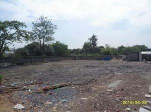 ด้านหน้าที่ดิน ถนนตัดใหม่ พัฒนาการ ถมที่ดินเรียบร้อยแล้ว ขนาด 260 ตารางวา