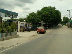 ถนนทางเข้าที่ดิน ขนาด 206 ตารางวา พุทธมณฑลสาย 2 ถมที่ดินเรียบร้อย