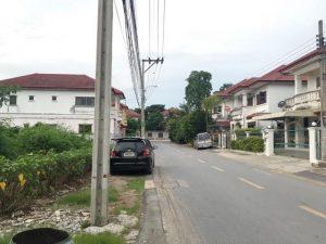 ถนนหน้าที่ดิน เนื้อที่ขนาด 60 ตารางวา ถมที่ดินเรียบร้อย พุทธมณฑลสาย 3