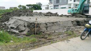 ตัวอย่างงานถมที่ดิน นาคนิวาส 48 ทำคันดินเฉียงด้านข้าง